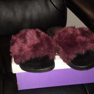 BOGO with a ⭐️Wine colored slippers ..NWT